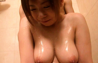 Konatsu Aozora big knockers looks awesome covered in massage oil. Japanese beauty Konatsu Aozora