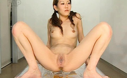 Ueda Misaki Asian with open legs makes a lot of misery with holes