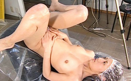 Ueda Misaki Asian is all nude and with legs spread for wet action. Japanese beauty Ueda Misaki