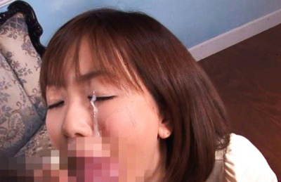 Saki Ninomiya Asian has money shot on eye after offering fine blowjob. Japanese beauty Saki Ninomiya