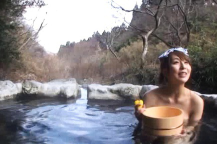 Jessica Kisaki Asian all naked takes bath in the woods river. Japanese beauty Jessica Kisaki