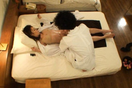 Rika araki. Rika Araki Asian is turned on by masseur fondling her with oil
