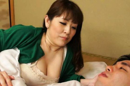 Nami Horikawa Asian wakes fellow up to have huge cans squeezed. Japanese beauty Nami Horikawa