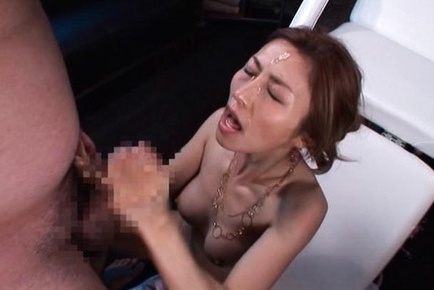 Akari asahina. Akari Asahina with oiled anatomy gets cumshot on