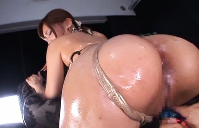 Ria Horisaki Asian with big oiled bottom cheeks rides hunk mouth