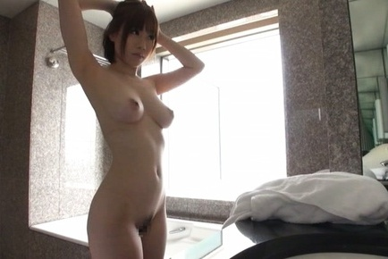 Michiru Asian exhibits leering body with big cans in daily shower
