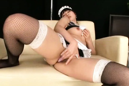 Nozomi hazuki. Nozomi Hazuki house keeper pours saliva on cans