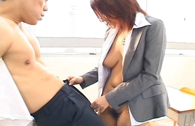 Reon Otowa strips in classroom and lets young boy student finger her axilla. Japanese beauty Reon Otowa