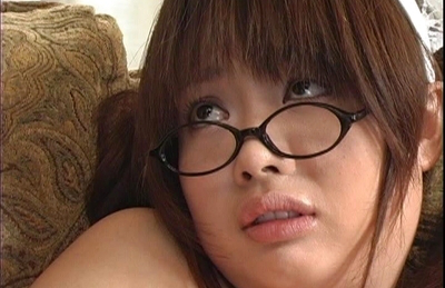 Sakura Kawamine can´t wait to bang her boss in this video. Japanese beauty Sakura Kawamine